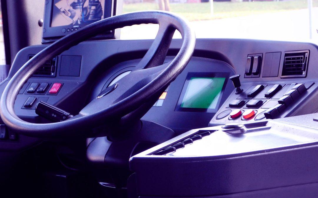 """Empresa de ônibus deve recolher FGTS sobre pagamentos """"por fora"""" a motoristas"""