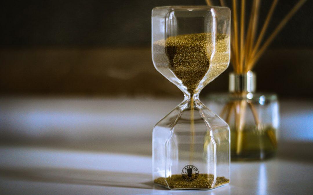 https://pixabay.com/pt/photos/interior-tempo-de-%C3%A0-espera-cl%C3%A1ssico-5235953/