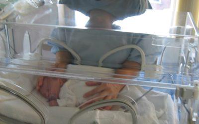 Em caso de prematuro, juíza estende marco inicial do salário-maternidade