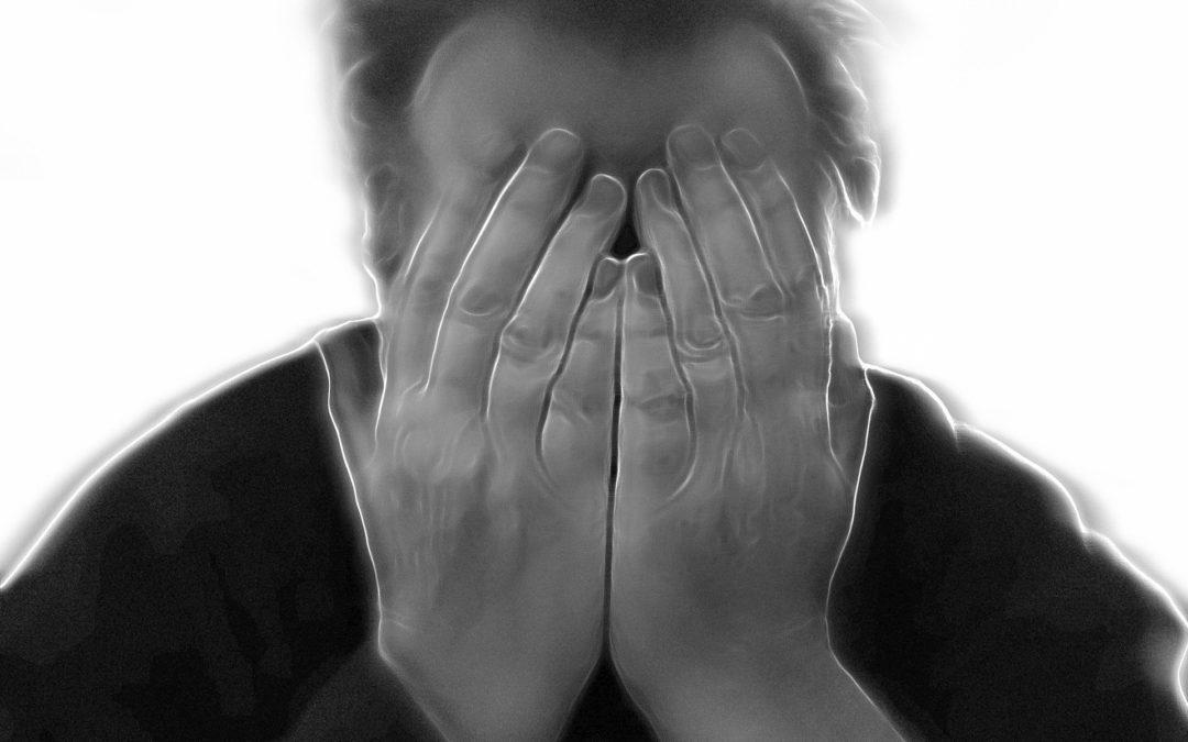 https://pixabay.com/pt/illustrations/burnout-esgotado-sozinho-solid%C3%A3o-96856/