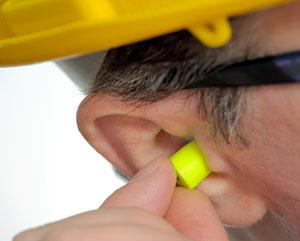Pedreiro exposto a ruído alto tem direito a aposentadoria especial